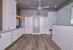 Hutting bathroom San Antonio